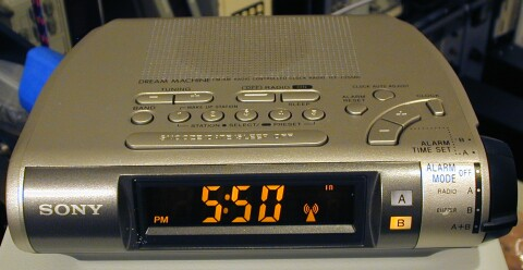 Decoding WWVB from a Sony atomic time radio controlled clock